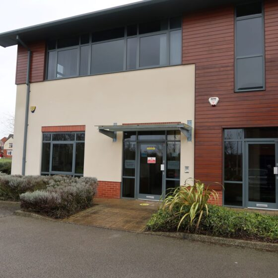 TO LET-  BUSINESS PARK OFFICE